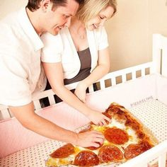 """So, maybe this isn't the """"classical"""" pizza. Because the pizza base is made out of cauliflower. Pizza Meme, Pizza Humor, Comida Pizza, Baby Pizza, Pizza Quotes, Pizza Art, Pizza Pizza, Pizza Food, I Love Pizza"""