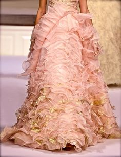 Oscar de la Renta, dress me every day.