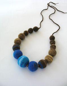 Jaspeado colorido collar de bolas de ganchillo por DreamList