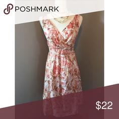 """Floral midi!! Land's End 100% cotton and fully lined Sleeveless fit and flare midi Side zipper Cream, peach and pink floral  Size: 6 Bust: 34"""" Waist: 31"""" Hips: full (up to 39"""") Length: 37"""" Measurements taken flat and doubled Lands' End Dresses Midi"""