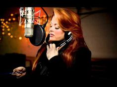 WYNONNA JUDD - Free Bird [HQ Audio] I got trouble when I was 15 for jamming to this in my room. Well, I got in because the music was too loud! :D I was rocking out and I turned around and almost jumped out of my skin because there stood my uncle watching me singing into the hairbrush!