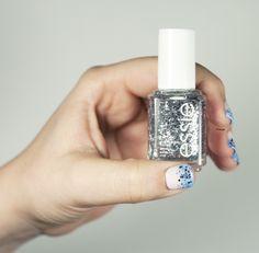 Winter nail art // Essie