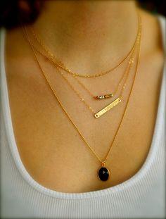Superposition de colliers or, lot de 3, Onyx, martelé Bar, perles de Pyrite, multicouches