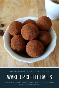Coffee Balls - Energy balls with coffee taste - I love energy balls and I love coffee. Wake-Up Coffee Balls were born out of this love. They taste -Wake-Up Coffee Balls - Energy balls with coffee taste - I love energy balls and I love coffee. Coffee Recipes, Raw Food Recipes, Coconut Energy Balls, Coffee Presentation, Coffee Tasting, Energy Bites, Protein Bites, Protein Energy, Balls Recipe