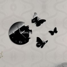 Find More Wall Clocks Information about New 2015 Mirror 3 Butterfly DIY Wall Clock  Households Wall Watch Modern Design Home Decoration Living Room Relogio De Parede,High Quality gift valentin,China gift wrapping decoration Suppliers, Cheap decorative gift boxes lids from Cherry Ma on Aliexpress.com
