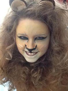Feminized lion from Wizard of Oz Wizard Of Oz Costumes Diy, Diy Costumes, Halloween Costumes, Halloween Boo, Halloween Face Makeup, Happy Halloween, Cowardly Lion Costume, Lion Face Paint, Wizard Of Oz Lion