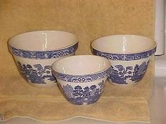 BLUE WILLOW NESTING MIXING BOWL SET 30 36 42 MADE IN ENGLAND 5 5.75 6.75 INCH | #534324045 Bowl Set, Old Things, England, Tableware, How To Make, Blue, Vintage, Dinnerware, Tablewares