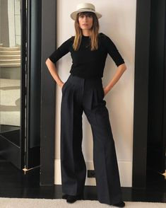 """The main """"wearable"""" trends 2020 (or what to buy on sales) - Woman Delice - The main """"wearable"""" trends 2020 (or what to buy on sales) – Woman Delice - Simple Outfits, Chic Outfits, Fashion Outfits, Praise Dance Dresses, Winter Outfits 2019, Paris Mode, Business Outfit, French Chic, Blazer"""