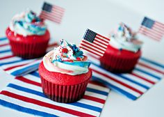 Flag Cupcakes recipe - Remember my Flag Cake?  Or my Rainbow Cupcakes?  If they got married and had a baby, this is what that baby would look like. #cupcake #dessert #fourthofjuly #holiday