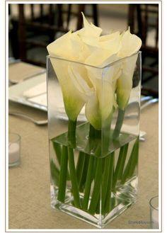 60 Simple & Elegant All White Wedding Color Ideas - Decoration - Flowers and Bouquets . 60 Simple & Elegant All White Wedding Color Ideas - Decoration - Flowers and Bouquets - Calla Lily Centerpieces, Wedding Centerpieces, White Centerpiece, Table Wedding, Centrepieces, Centerpiece Ideas, Gown Wedding, Table Centerpieces, Wedding Dresses