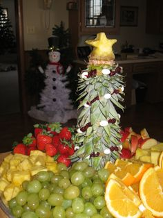 Pineapple top Christmas tree and fruit tray