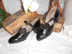 Chaussures anciennes 1900-1920