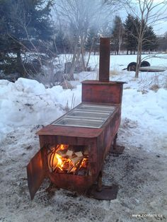 The Sap-o-rator, DIY evaporator/boiler for quickly reducing maple sap into homemade maple syrup Maple Syrup Taps, Maple Syrup Evaporator, Sugar Bush, Outdoor Oven, Sugaring, Wild Edibles, Maple Tree, Survival Food, Hobby Farms