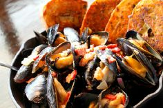 Ford's Fish Shack - Seafood Restaurant Ashburn VA - This is classic New England style food prepared with the freshest ingredients and served by a friendly staff in a rustic setting.