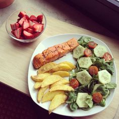 .@healthy_vansi | Luuunch! I know I eat a lot but extreme hunger and things like that, you know... | Webstagram