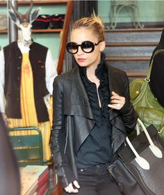 Black leather Nicole Richie 57bca2271f37