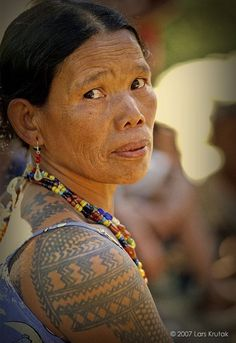 """Tattooed Friends. Of all Kalinga tattoo motifs, centipedes and python scales seem to dominate. Both creatures were considered """"friends of the warriors"""" (bulon ti mangayaw) and are believed to be earthly messengers of the most powerful Kalinga deity Kabunian – the Creator of all things. Many women proclaimed that their skin didn't wrinkle if fortified with these designs and that their beautiful body tattoos increased their fertility. Other tattoos were also natural symbols derived from…"""
