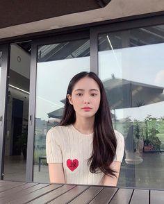Korean Beauty, Asian Beauty, Korean Face, Ulzzang Korean Girl, Ga In, Elegant Wedding Hair, Instagram Pose, Ulzzang Fashion, Asian Girl