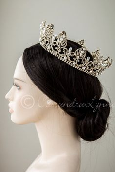 Full Circle Wedding Crown with Teardrop Pearls