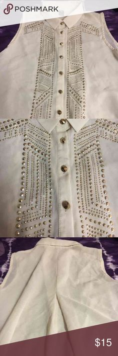 Windsor Studded Blouse never worn, it's really cute & long, willing to negotiate, best offer, & I do bundle‼️ WINDSOR Tops Button Down Shirts