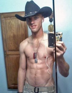 Wanna #FreeDating with #Shirtless #6PackAbs #FitnessModel #HotBody #Muscle #Sexy #CowBoy #CountryBoy
