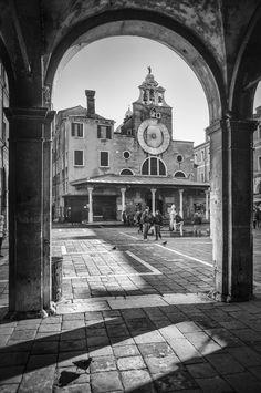 San+Giacomo+di+Rialto+-+Church+of+San+Giacomo+di+Rialto,+San+Polo+neighborhood,+Venice.
