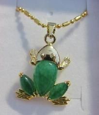 """Jade Frog Necklace 18"""" Chain Brand new-FREE-SHIPPING"""