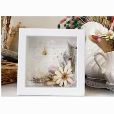 ナチュラルアレンジのフラワー時計 | ハンドメイドマーケット minne Minne, Frame, Home Decor, Picture Frame, Decoration Home, Room Decor, Frames, Home Interior Design, Home Decoration
