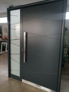 Aluminium exclusive front door ral 7016 House Doors, Room Doors, Aluminium Front Door, Front Gate Design, Room Door Design, Front Gates, Exterior Doors, Home Kitchens, Locker Storage