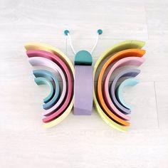 houten regenboog voorbeeld vlinder Toddler Fun, Toddler Toys, Toddler Activities, Rainbow Blocks, Rainbow Art, Grimm's Toys, Grimms Rainbow, Eco Kids, Wooden Rainbow