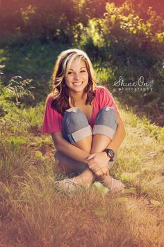 65 Ideas Photography Poses Teenagers Girls Senior Photos For 2020 Teenage Girl Photography, Photography Pics, Senior Portrait Photography, Autumn Photography, Portrait Poses, Senior Portraits, Girl Portraits, Photography Career, Senior Photos Girls