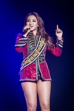 2NE1 Kpop Girl Groups, Korean Girl Groups, Kpop Girls, Yg Entertainment, Chaelin Lee, Rapper, Lee Chaerin, Cl 2ne1, Back Home