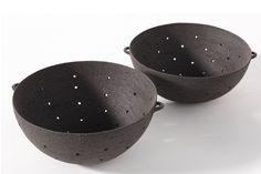 ceramicsnow: Virginie Besengez: Strainer - the modern pottery studio Pottery Bowls, Ceramic Pottery, Thrown Pottery, Slab Pottery, Sculptures Céramiques, Ceramic Sculptures, Paperclay, Contemporary Ceramics, Handmade Pottery
