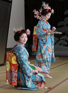 Maiko Satsuki at Miyako Odori Kimono Japan, Japanese Kimono, Japanese Beauty, Asian Beauty, Thinking Day, Japan Art, Yukata, Japanese Culture, Kimono Fashion