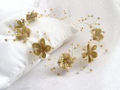 wedding hair halo, bridal flower crown, wedding hair pieces flowers, pearl bridal halo, bridal headpieces long hair, bohemian long hair vine