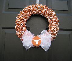 Great for Football Season! GO Boomer Sooner! Made using Mardi Gras beads. Texas Longhorn Beaded Wreath Custom Any by APinkLemonadeDesigns Diy Wreath, Burlap Wreath, Wreath Ideas, Bead Crafts, Diy Crafts, Fall Crafts, House Divided Wreath, Ut Longhorns, Hook Em Horns