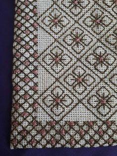 Cross Stitch Designs, Cross Stitch Patterns, Hand Embroidery Design Patterns, Cross Stitch Cushion, Blackwork Patterns, Bargello, Diy And Crafts, Quilts, Blanket
