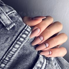Fresh nail art design ideas for nails Beige Nails, Nude Nails, Almond Nails Designs, Nail Designs, Nail Mania, Cute Gel Nails, Sculptured Nails, Lines On Nails, Nail Art Pictures