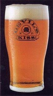 Cerveja Devil's Kiss, estilo Strong Scotch Ale, produzida por Rose Street Brewery, Escócia. 7% ABV de álcool.