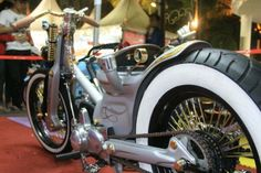 Aga from Jakarta is selling his fully chopped Cub..                 Local and interested ? Drop me a line..     chalopy.blogspot.nl