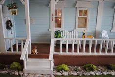I've been working around the clock to finish decorating my beach cottage!   Here are the pictures...                                       ...