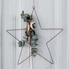 deco murale en forme d'étoile en fer pour l'esprit de Noël ou toute l'année pour décorer avec de l'eucalytus, la plante déco