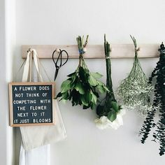The Coolest Customizable Art: Felt Letter Boards and Black Light Boxes plus where to buy them. (Flower Felt Letterboard Sign) - Black Lights - Ideas of Black Lights Felt Letter Board, Felt Letters, Felt Boards, Deco Boheme, E Commerce, Cool Words, Planting Flowers, Sweet Home, Crafty