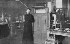 """Marie Curie, the first woman to receive a Nobel Prize, in her laboratory at the Sorbonne in Paris around A French newspaper observed: """"If a woman is allowed to teach both sexes at university,. Madame Marie Curie, Madam Curie, Women In History, World History, Nobel Prize In Physics, Colorized Photos, Weird And Wonderful, Famous Women, Famous People"""