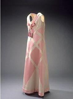 Evening dress, Balmain, 1969 - National Museum of Denmark