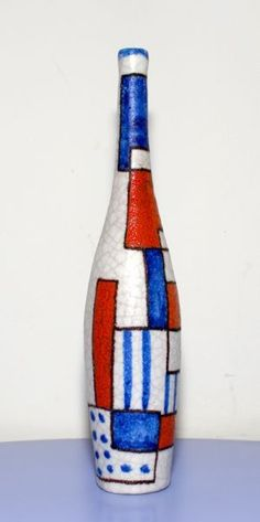 Guido Gambone bottle, red, white and blue. Ceramic Pottery, Pottery Art, Italian Pottery, Vide Poche, Abstract Expressionism Art, Ceramic Artists, Vintage Ceramic, Art Pieces, Arts And Crafts