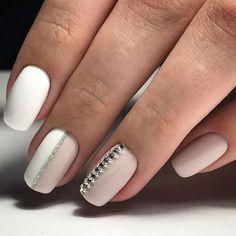 24 Trending Early Spring Nails Art Designs And Colors 2019 – Styles Art – Sarah ramos - Nails Desing Spring Nail Art, Spring Nails, Party Nail Design, Nails Design, Nude Nails With Glitter, Gold Nail, Hair And Nails, My Nails, Party Nails