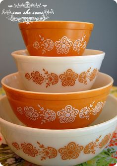 Vintage Butterfly Gold Pyrex dishes! Need these to match our butter dish/refrigerator dishes! Golden yellow and white...perfect combo!