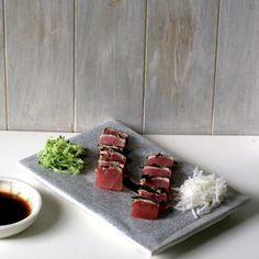 bushcooks kitchen: Thunfisch-Sashimi mit Algen-Pfeffer-Kruste nach Steffen Henssler Sashimi, Asian Recipes, Ethnic Recipes, Food, Cooking, Fall Vegetables, Seaweed, Tuna, Beetroot
