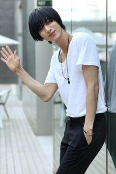 ✰ Won Jong Jin ✰ - ulzzang gallery - Asianfanfics Won Jong Jin, Beautiful Boys, Pretty Boys, Cute Boys, Poses For Men, Male Poses, Cosplay, Human Poses Reference, Korean Fashion Men